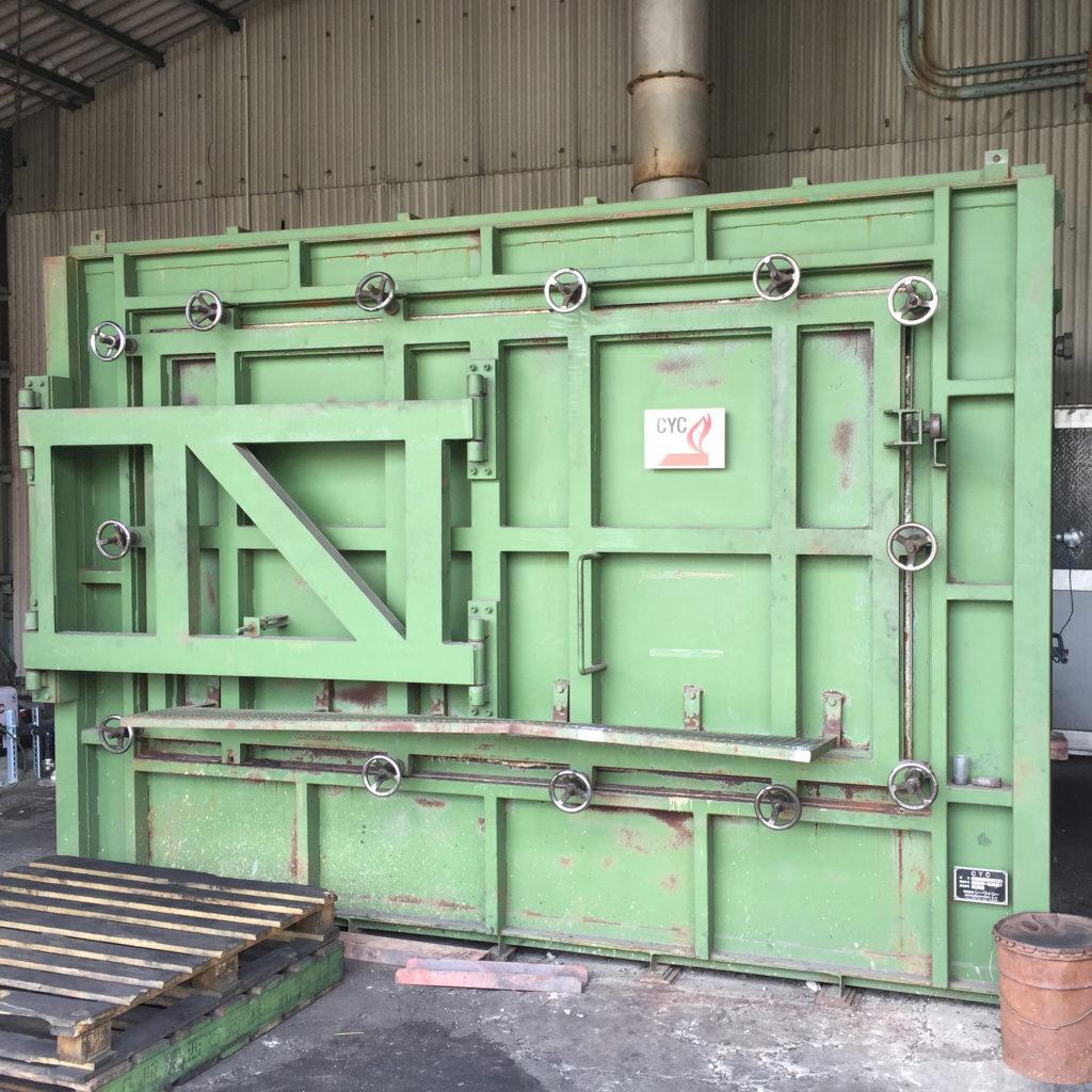 和歌山の備長炭の工場