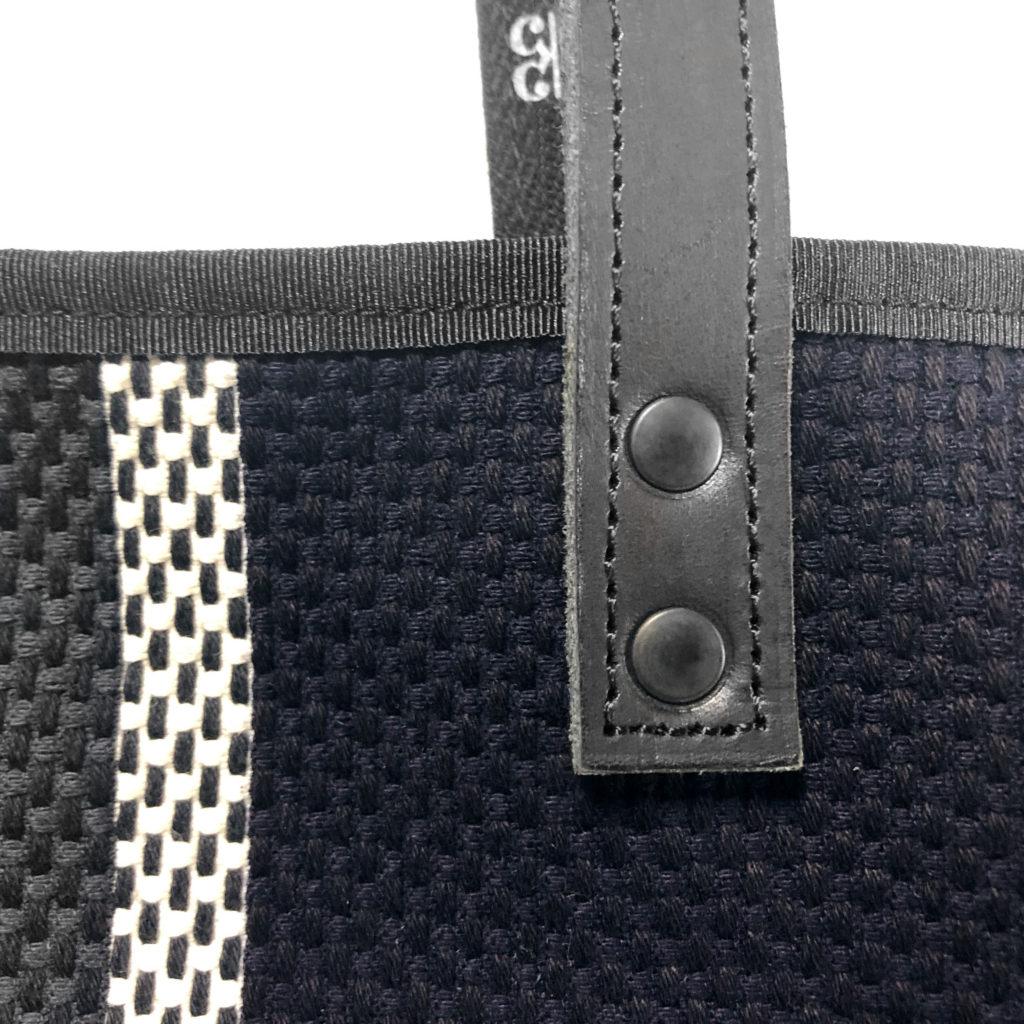 刺子バッグの生地とレザーハンドル